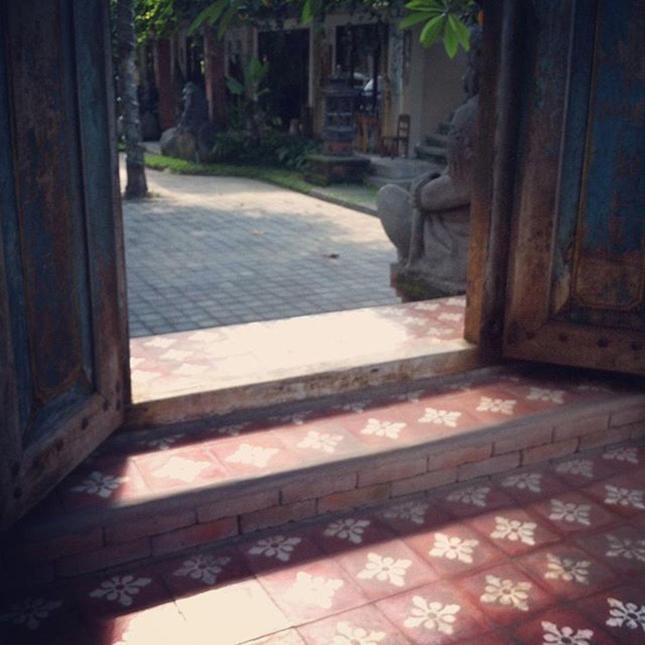 Pretty gate Gate Floor Ceramic Ornaments Motif  Batik Art Houseinspirations House Housedesign