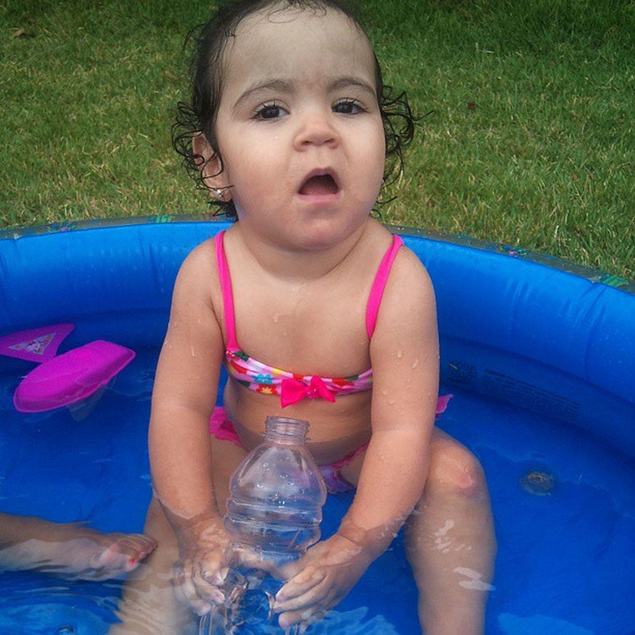 Não quero sair dessa piscina...