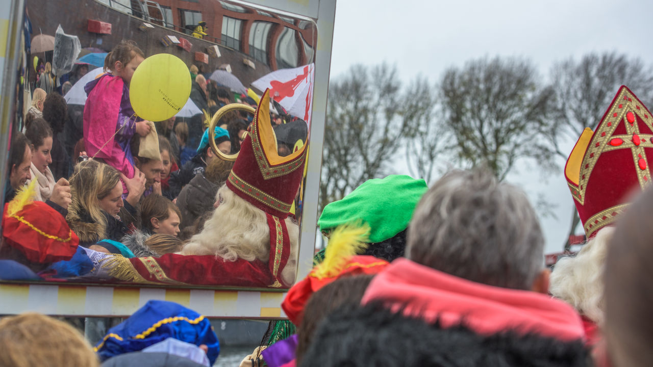 Children Festive Season Happy How You Celebrate Holidays Intochtsinterklaas Kinderenaanhetwater Mirror Netherlands Real People Santa Claus Sinterklaas St. Nicolas Zwarte Piet