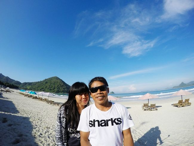 Beach time Agus_harianto_photography Sunshine Enjoying The Sun Livingthedream Nature On Your Doorstep Check This Out Enjoying Life Travelling Swimming