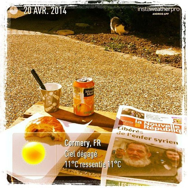 Vacances Paques Cormery Petitdej bien soleil heureux