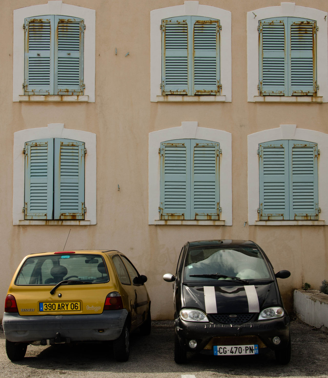 Architecture Building Exterior Built Structure Car City France Land Vehicle Mode Of Transport No People Old-fashioned Outdoors Parking Stationary Transportation Windows Yellow Yellow Car