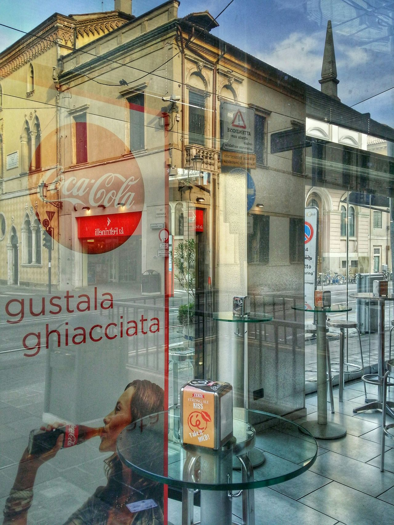 Cool experiment with reflections, shadows, and transparencies in Padua, Italy Traveling Italy Padua Mobile Photography Art Fineart Urban Architecture Historical Buildings Reflections Shadows Transparencies Fresh Drinks