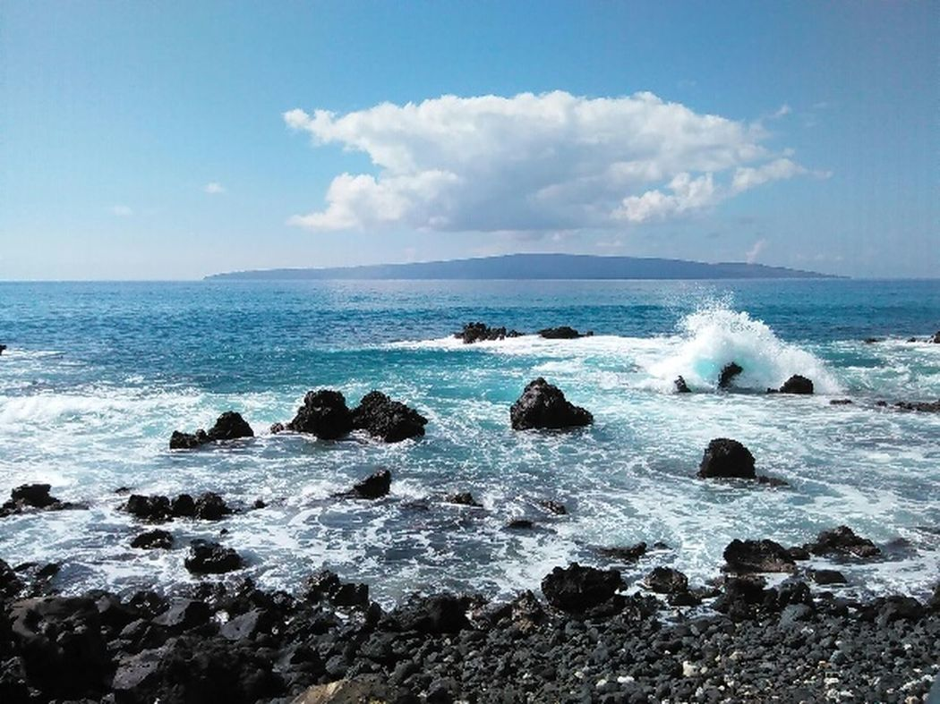 Here Belongs To Me Hawaiian Life Chillaxin Beach Life Live Life To The Fullest Beautiful Maui Nokaoi Enjoying Life Hanging Out EyeEm Mountain View Beautiful Nature Live Aloha Landscapes With WhiteWall Eye For Photography Island Life Island Living Color Of Nature