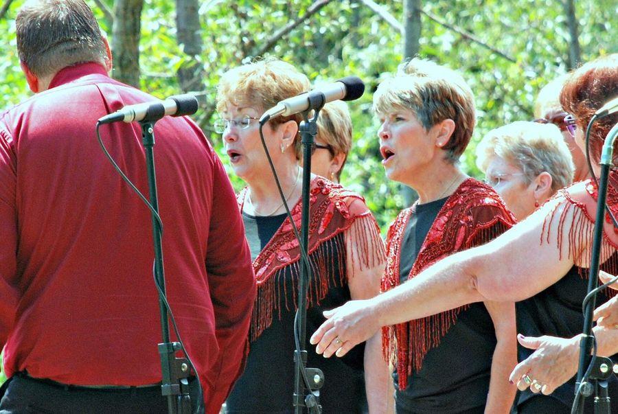 Singers Outdoors Concert Women Barbershop Red Color