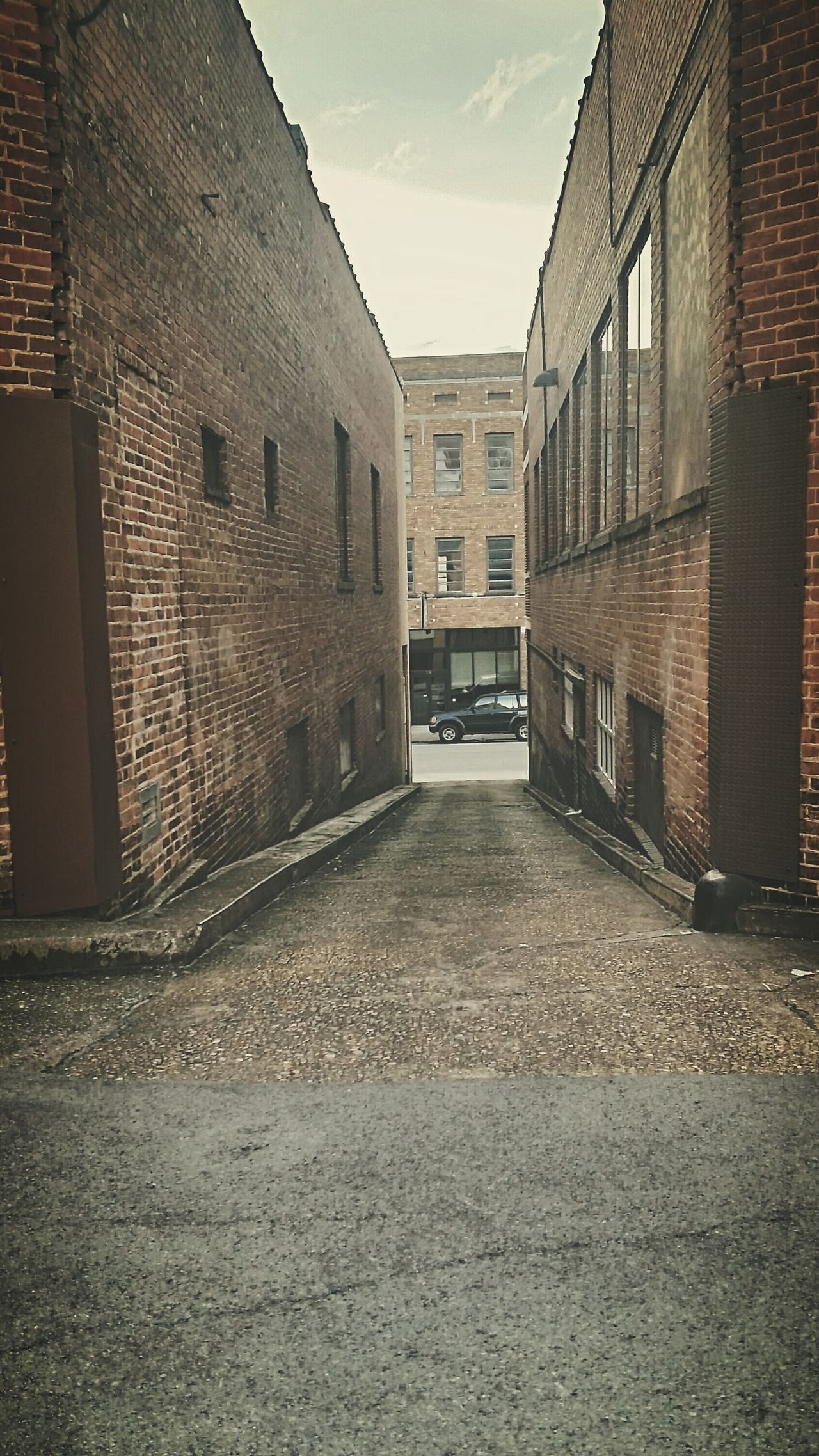 The Space Inbetween Center Focus Centerpoint Car Cityscapes Discover Your City My City I Love My City Alleyway Backstreets & Alleyways Hidden Places Stumbled Upon Drivebyphotography Ladyphotographerofthemonth Building Architecture AMPt - Street Streetphotography Open Edit Chattanoogastrong Chattanooga Shootermag Tennessee Downtown Streamzoofamily