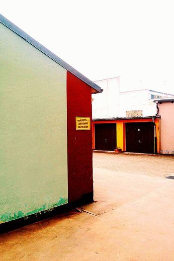 Distinct colours Colours Architectural Detail Garage Signs Brunswick Braunschweig