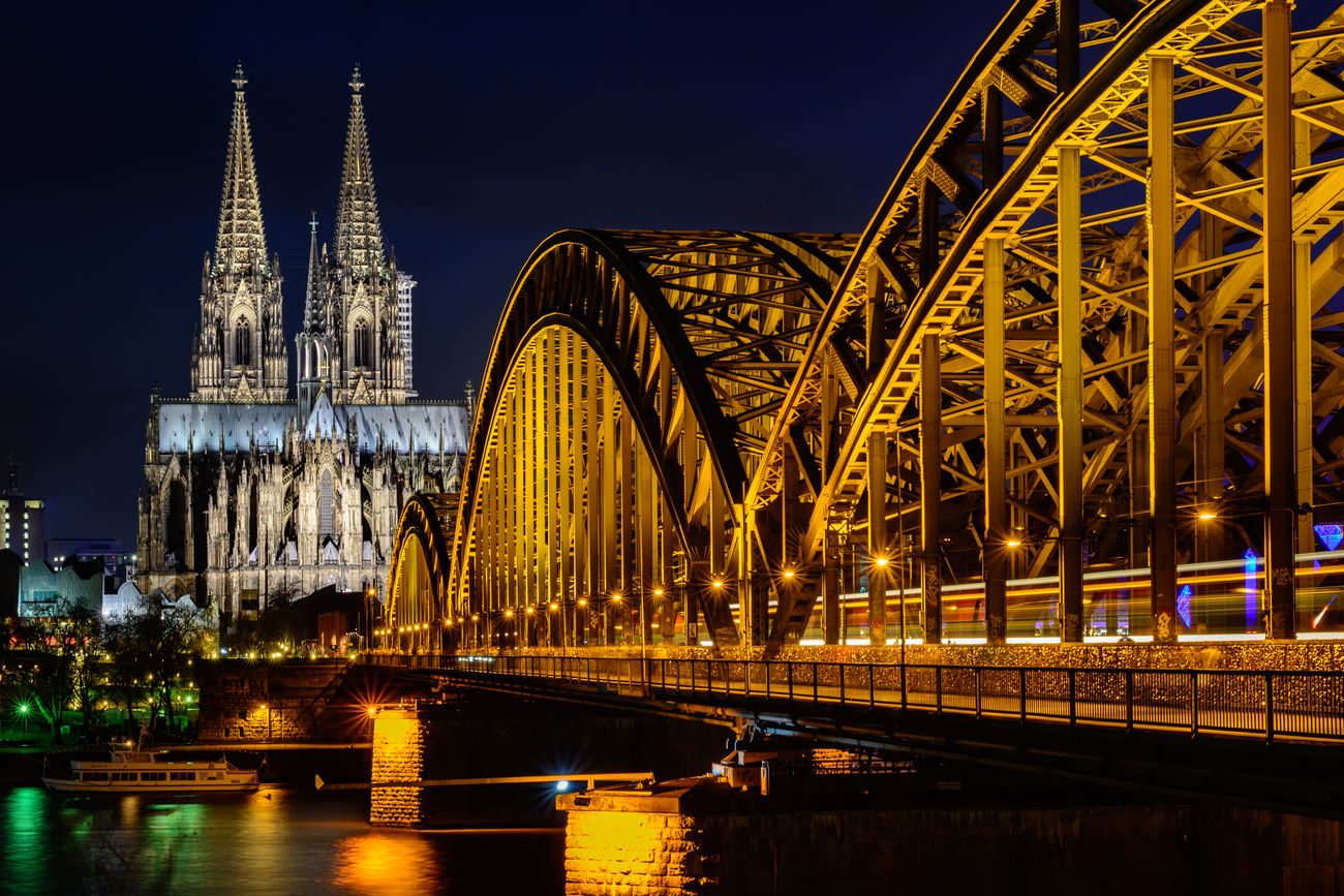Cologne Cathedral Architecture Bridge Bridges Bulb Cathedral City Cologne Famous Place Hohenzollernbridge Illuminated Long Exposure Night Rhine Landscapes With Whitewall
