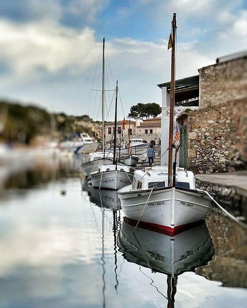 Cala Figuera Santanyi Mallorca Illesbalears un llogaret con su pequeño Puerto Pesquero natural. Muy recomendable darse un paseo. Puertopesquero Igers Igersmallorca Igersbalears Igers_world Loves_balears Loves_spain Loves_world Loves_europe Loves_mediterraneo Estaes_baleares Estaes_espania Estaes_de_todo Mediterraneo Mediterranean  Espain España Balearespasoapaso Sony_shots Sony_camera sonydschx60v loves_instagram loves_spain_team loves_spain_nature igersspain loves_spain_team