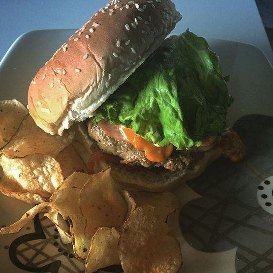 Hoy inicia un ejercicio fotográfico 365 días de miradas de toda clase. Espero su apoyo, comentarios y críticas. Home made hamburger. OMDP 1 -365 Colombia Food Hamburger