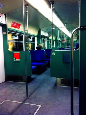 oldskool feeling at Hamburg S-Bahn by sdfkt.