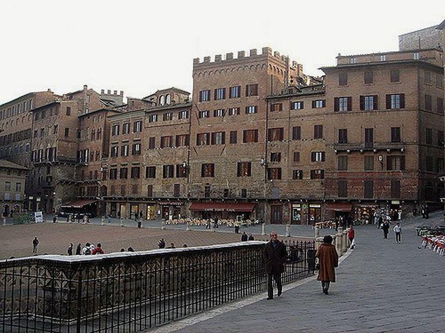 Siena Sienna Ilpalio Il Palio Italy Italia Toscana Toscany Horserace Squarehorserace