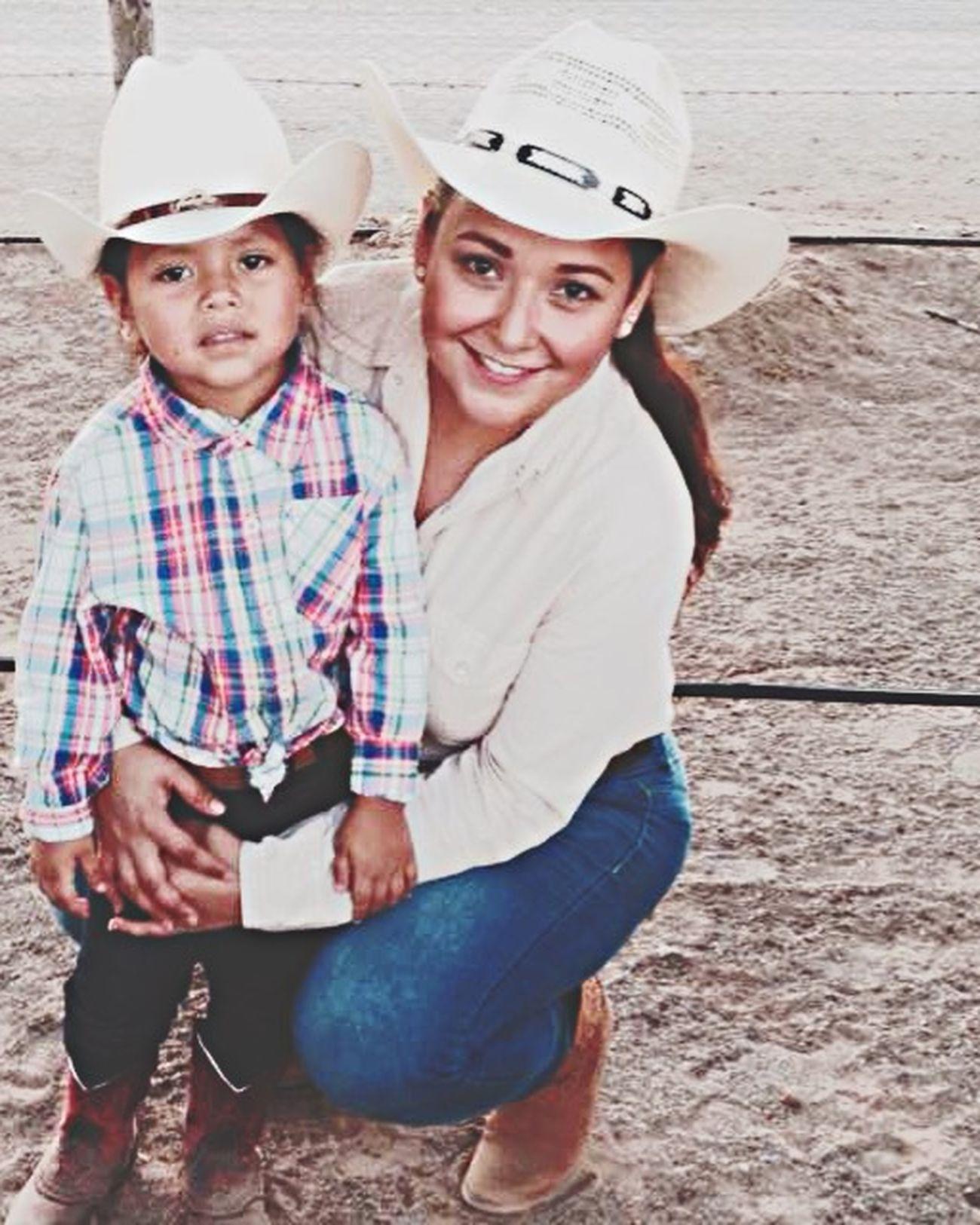 Cowgirls!! 🐎🐎