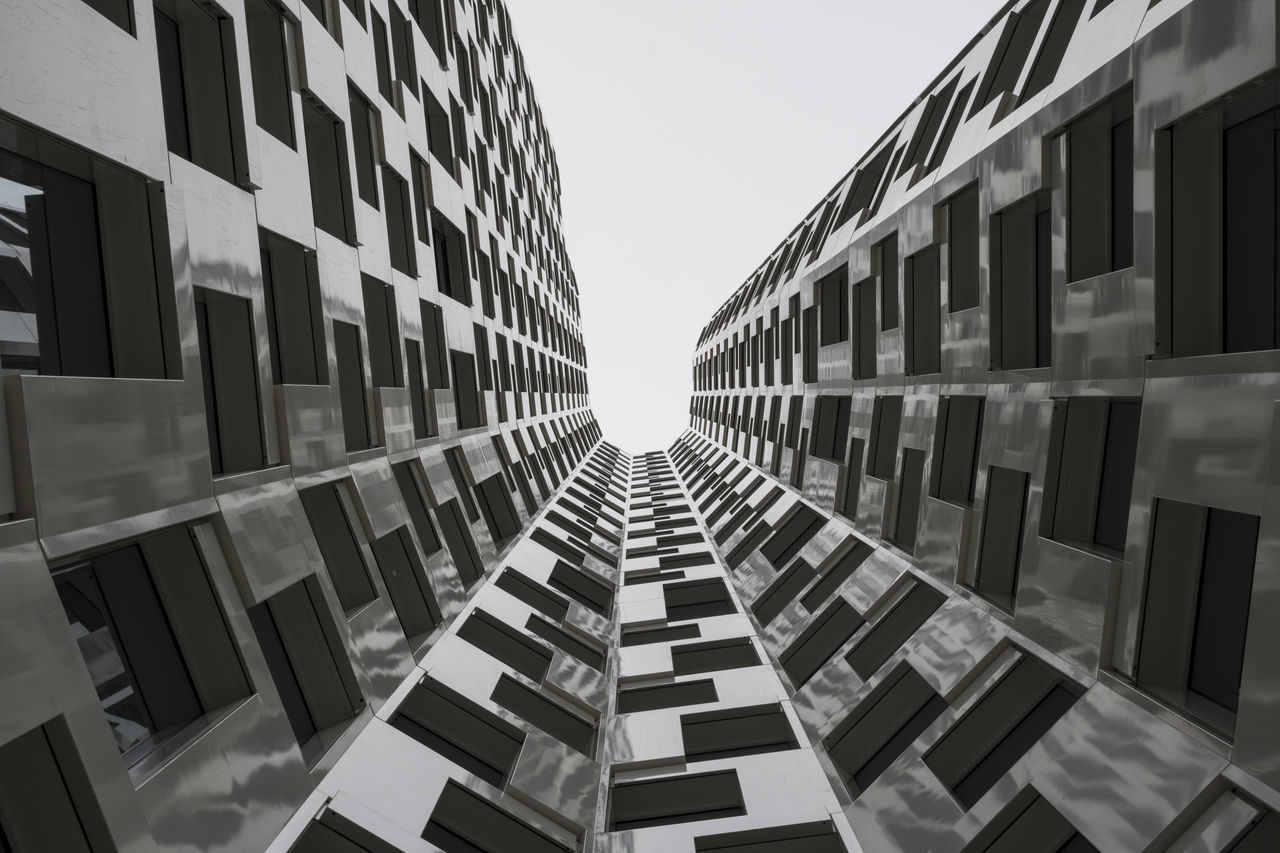 Low angle view on Atlas Tower in Berlin Architecture Architecture_bw Atlas Tower Building Exterior City Low Angle View Outdoors Skyscraper Symmetry