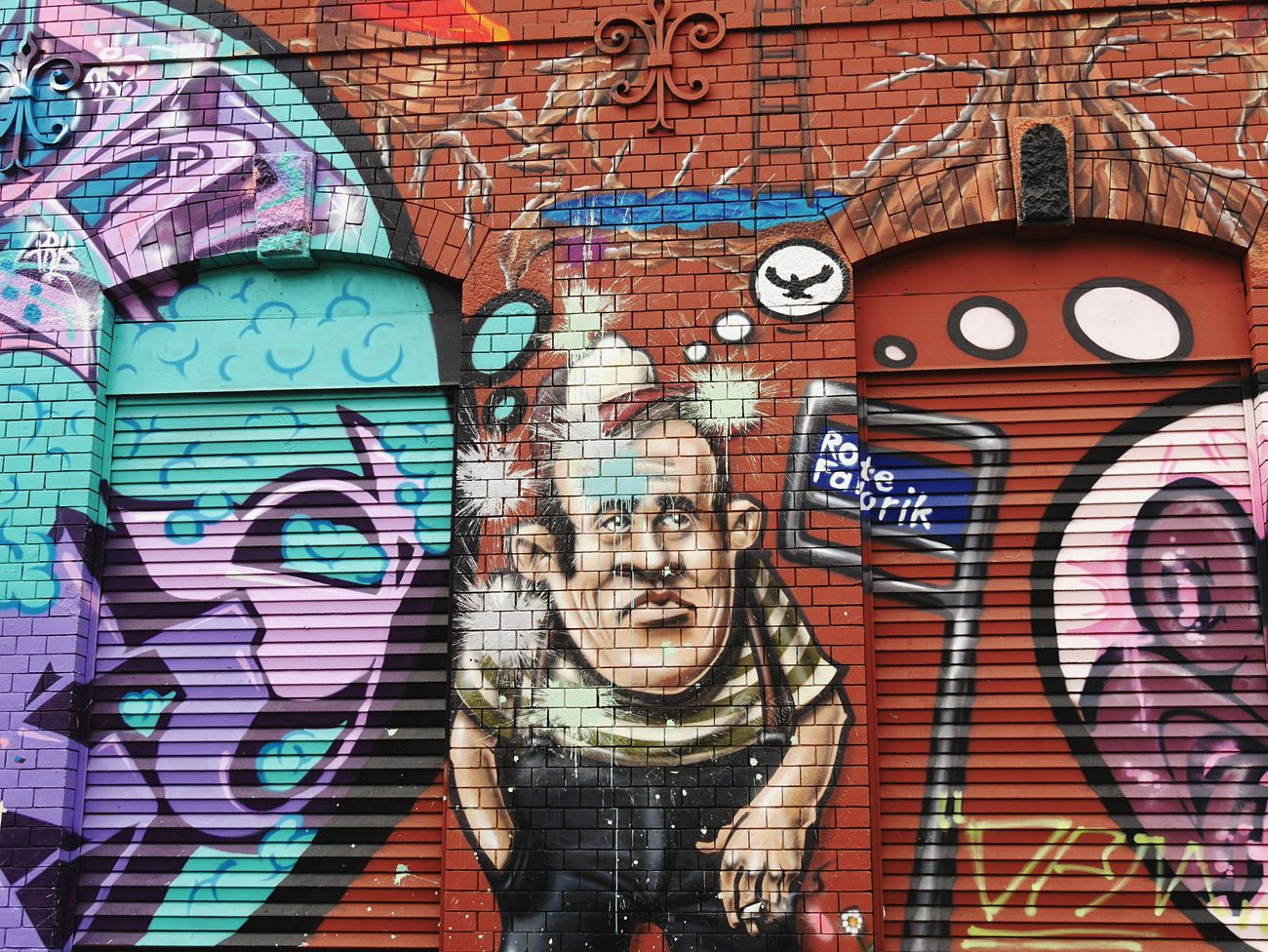 Urban Landscape Streetphotography EyeEm Best Shots Graffiti Rote Fabrik Urban UrbanART