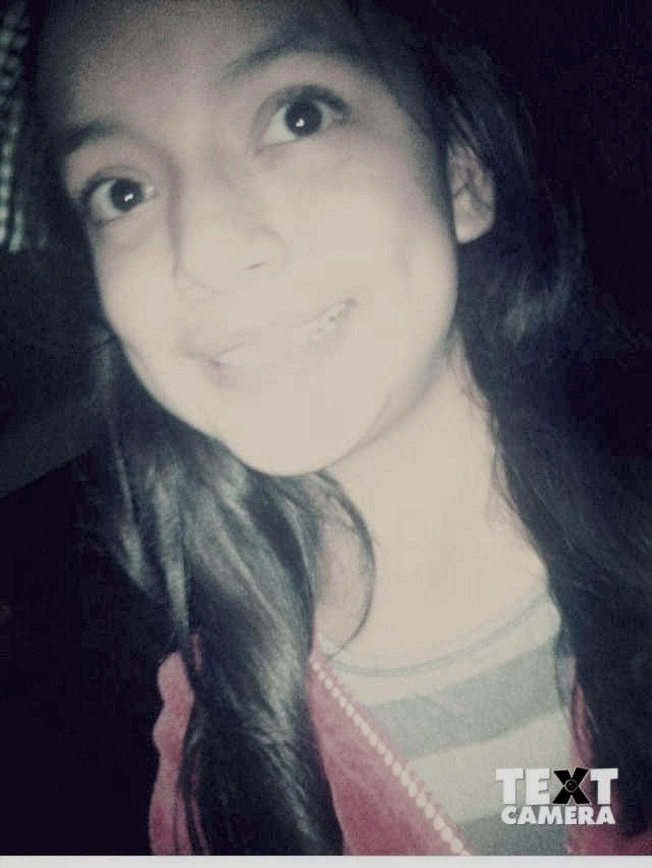 -Esa Sonrisa Disfraza La Felicidad Que Llevo En Mi Vida