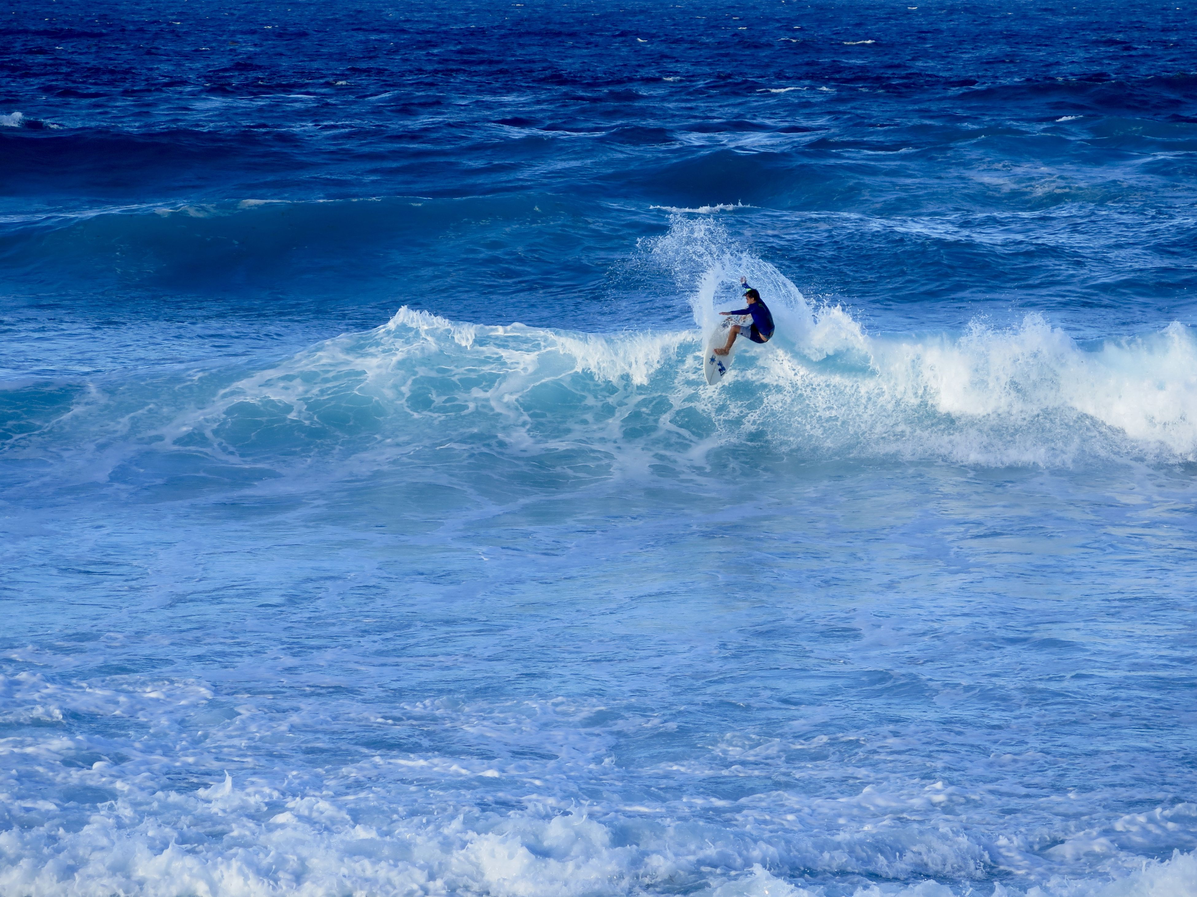 sea, wave, water, nature, sport, one person, lifestyles, aquatic sport, adventure, outdoors, men, motion, day, beauty in nature, speed, real people, extreme sports, adult, people, one man only, adults only, only men