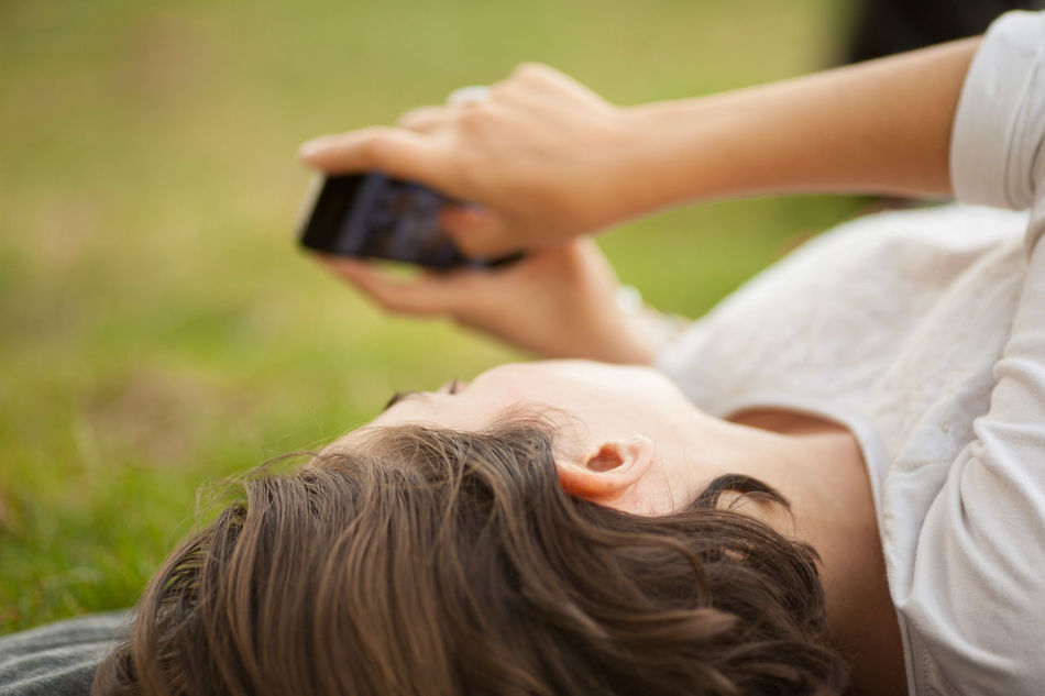 Beautiful stock photos of phone, Caucasian, Cellphone, Concentration, Connection