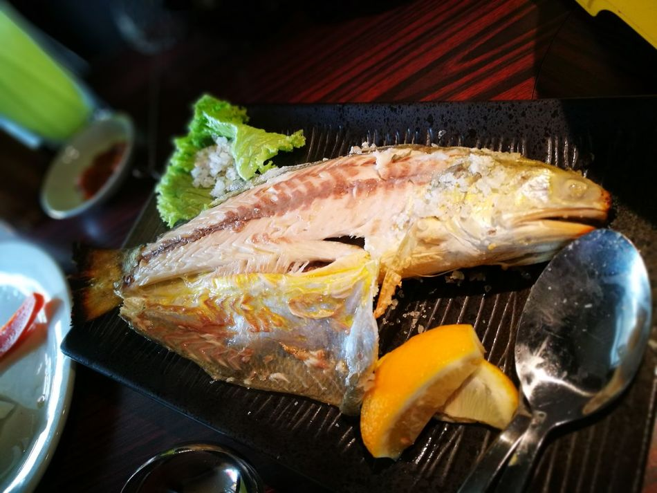 Food And Drink Seafood Fish Food Food And Drink Healthy Eating Freshness Indoors No People Close-up Day Ready-to-eat Indoors  No People Close-up Day Lemon Salt Grilled Fish Japanese Style