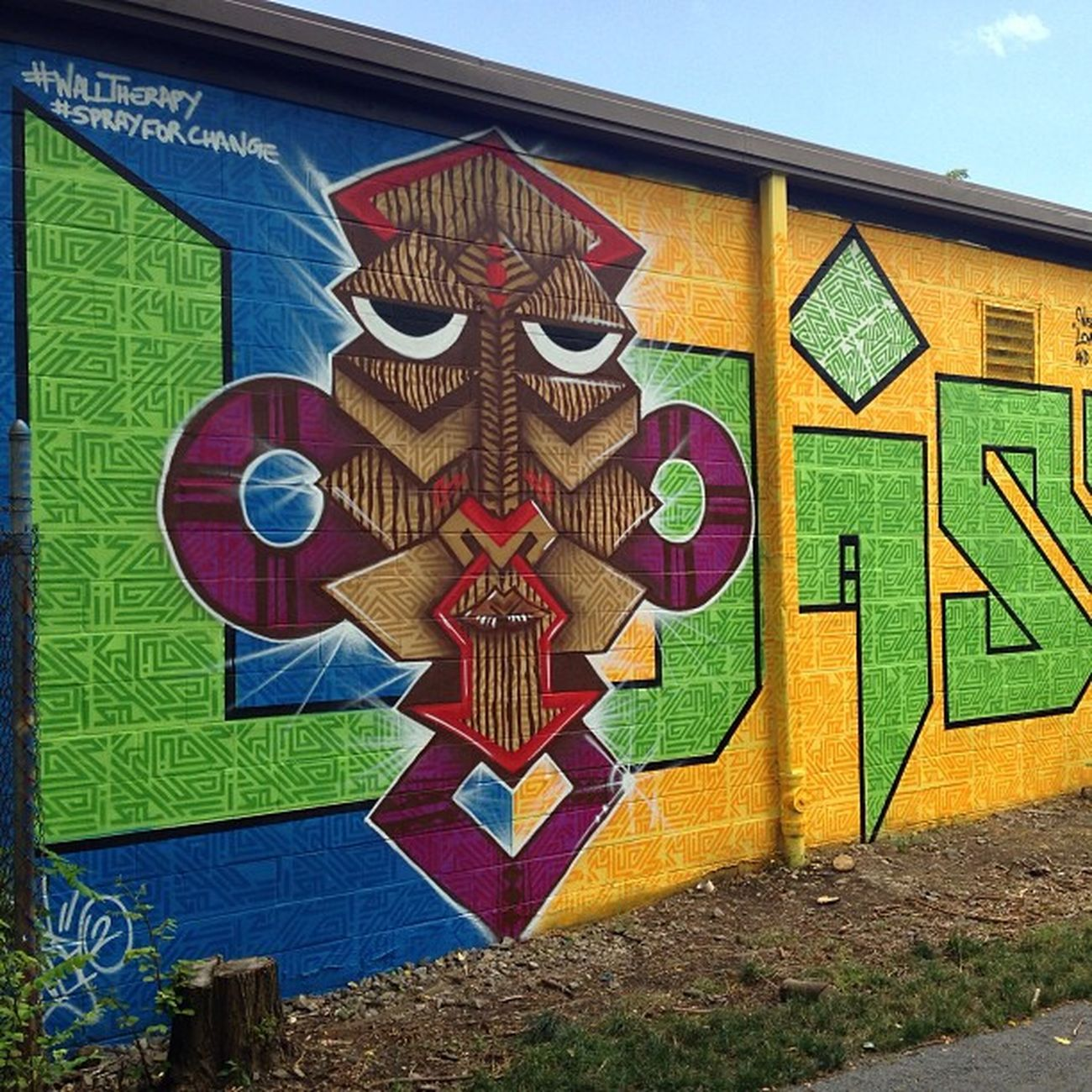 Finished Wisetwo mural for Walltherapy picture courtesy of @halopigg