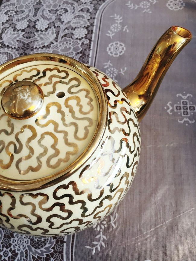 Teatime Tea Teapot Gold Golden
