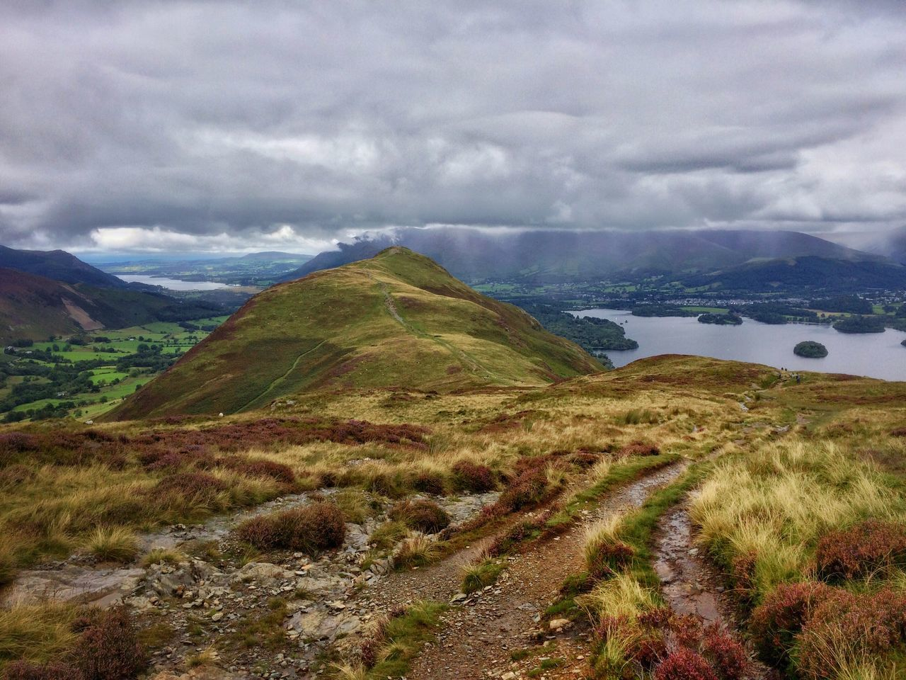 Mountain Ridge Gloomy Weather Mountain Flora Colourful Nature Landscape Catbells Lake District