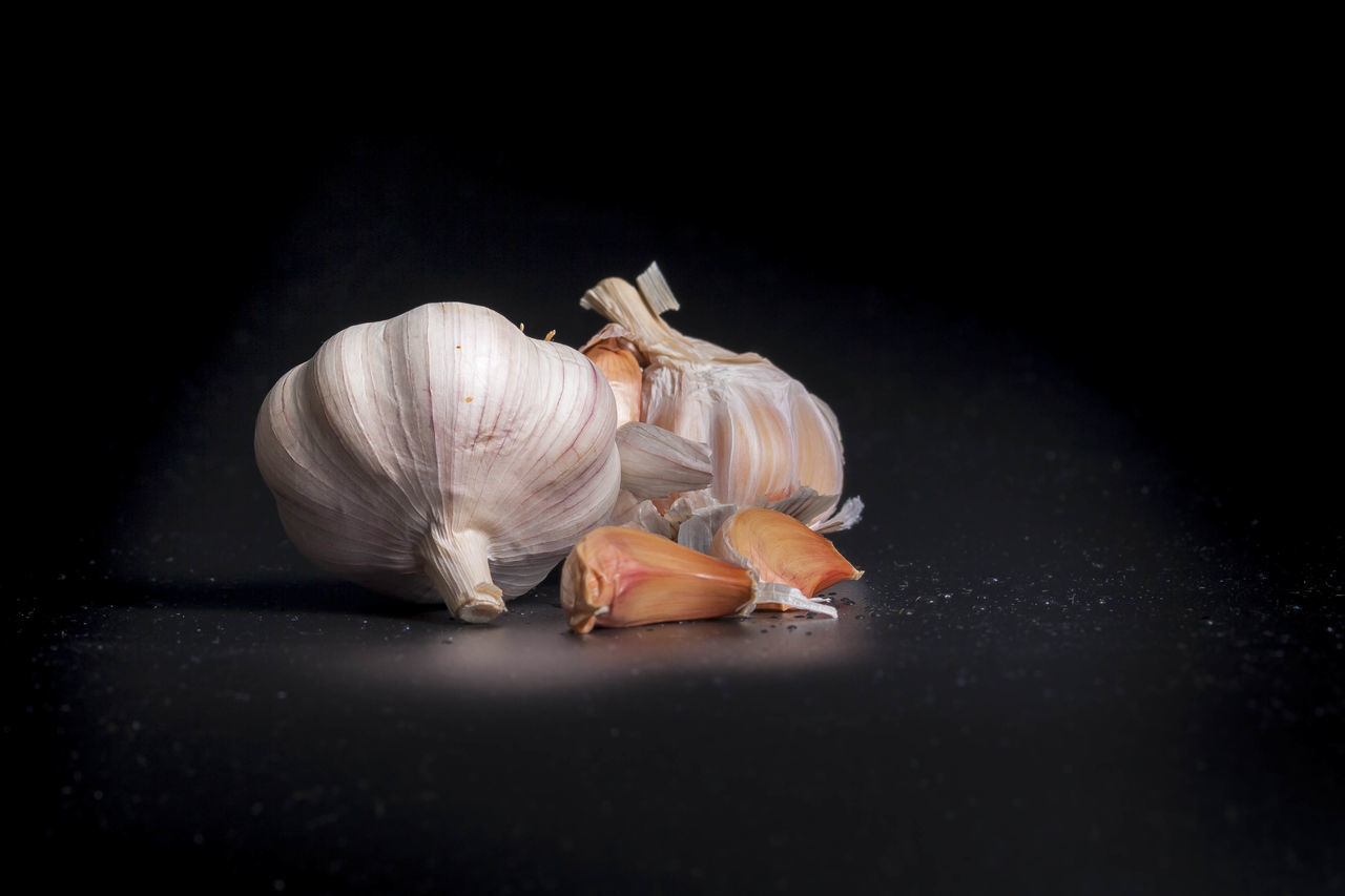 Black Background Freshness Full Length Garlic Garlic Bulb Garlic Clove Ginger Healthy Eating Healthy Lifestyle No People Studio Shot