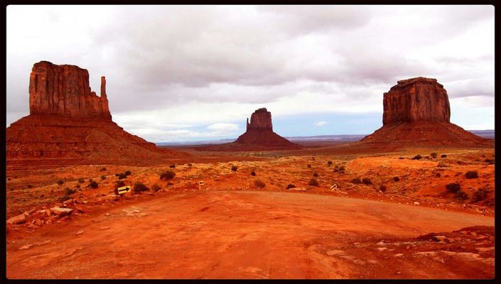 Monument Valley by Tanja