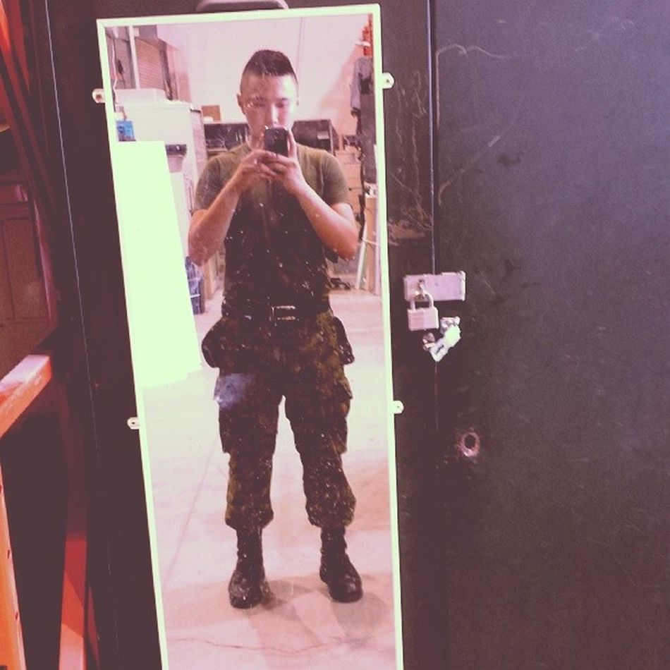 Mirror selfies never get old... Canadianarmy Canadianforces Soldier Army Military Selfie