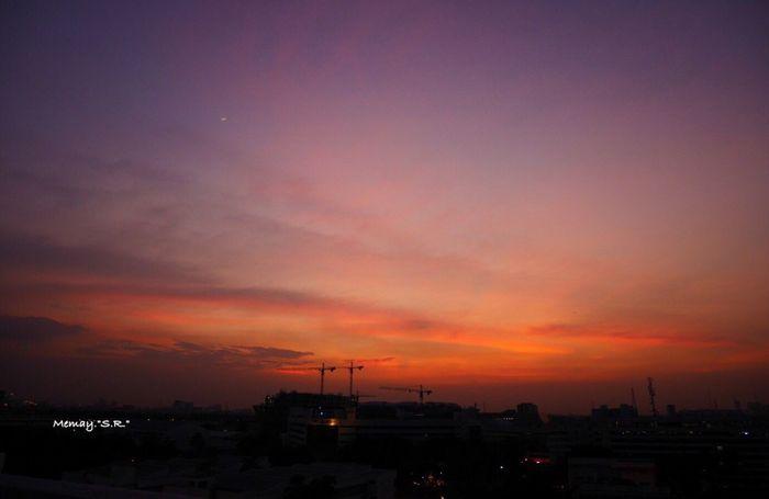 Sunset Sunlight Sky Orange Color Cityscape Beauty In Nature Photo Photography Photooftheday Photographer Photoshoot Pictureoftheday Yallow Cloud - Sky @ Bangkok Thailand.