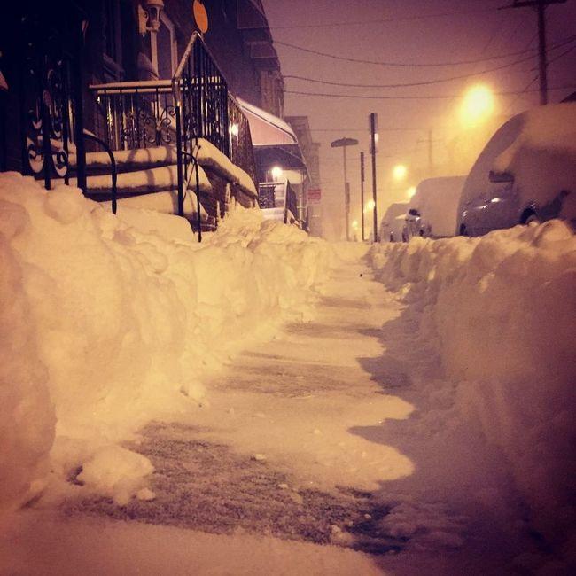 Walking home around 3am Blizzard2016 Snow ATouristInMyOwnCity ScenesFromTheStreet TheSidewalksOfTheCity EyeEm Best Shots