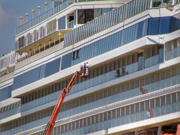 Architecture Cleaning Window Washer Building Exterior Occupation Built Structure Manual Worker Men Modern Window Washing Working Balcony Real People Day Outdoors Cleaner City Climbing Adult