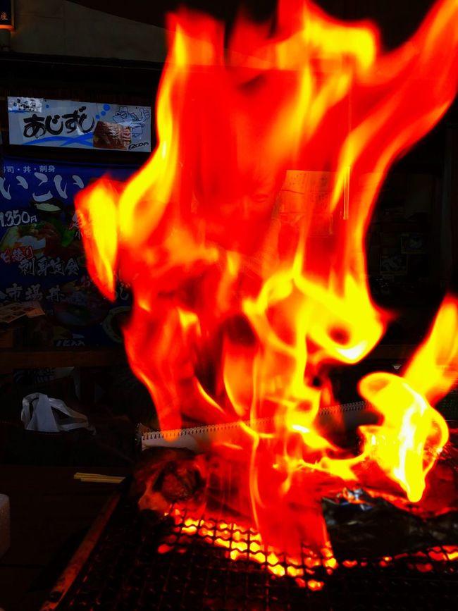 漁港 Odawara Fishing Port Harbor の仲買いさん超オススメの鮪のカマ Grilled Tuna Kama a fish's part around (beside) the head. を食べようとしたら、炎があがって前髪と眉を焦がしそうになった。(笑)grilled meat cut from around the gills...😅😋😅 Travelphotography Colors Lunch Food Porn Awards Foodphotography Foodporn
