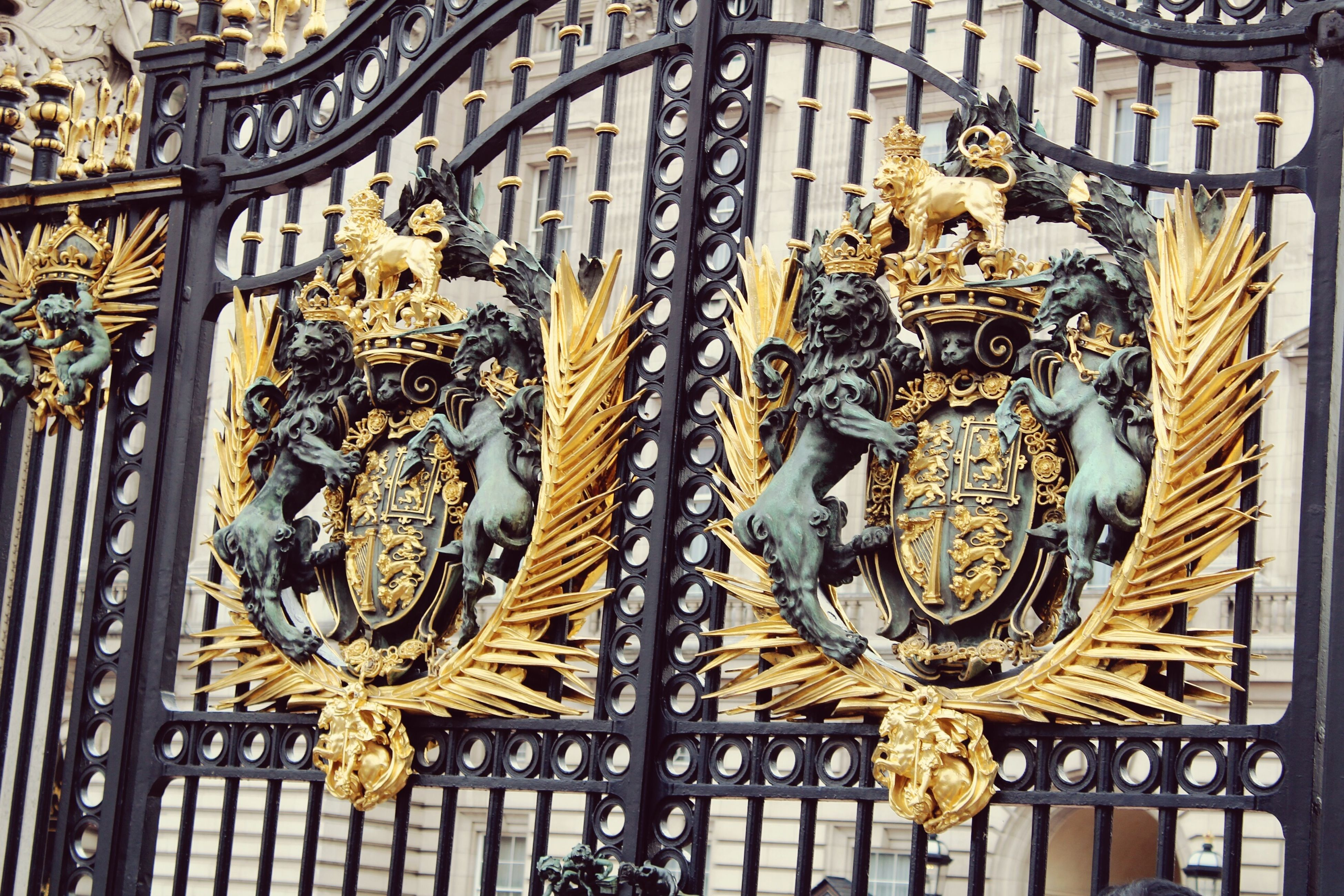 Gate Buckingham Gate Fence Lions Gold Horses London England Buckingham Palace Queens Palace