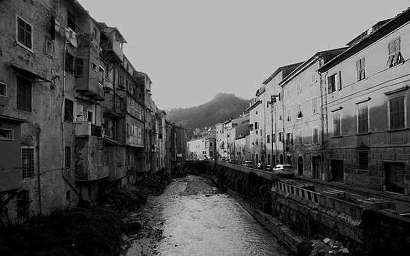 Carrara Carrione Fiume Rio River Italia Italy Toscana Tuscany Igersmassacarrara Igersitalia Ig_toscana Volgoitalia Volgotoscana Volgomassaecarrara Picoftheday Photooftheday Bestoftheday Tagsforlikes The Tourist The Tourist Mission