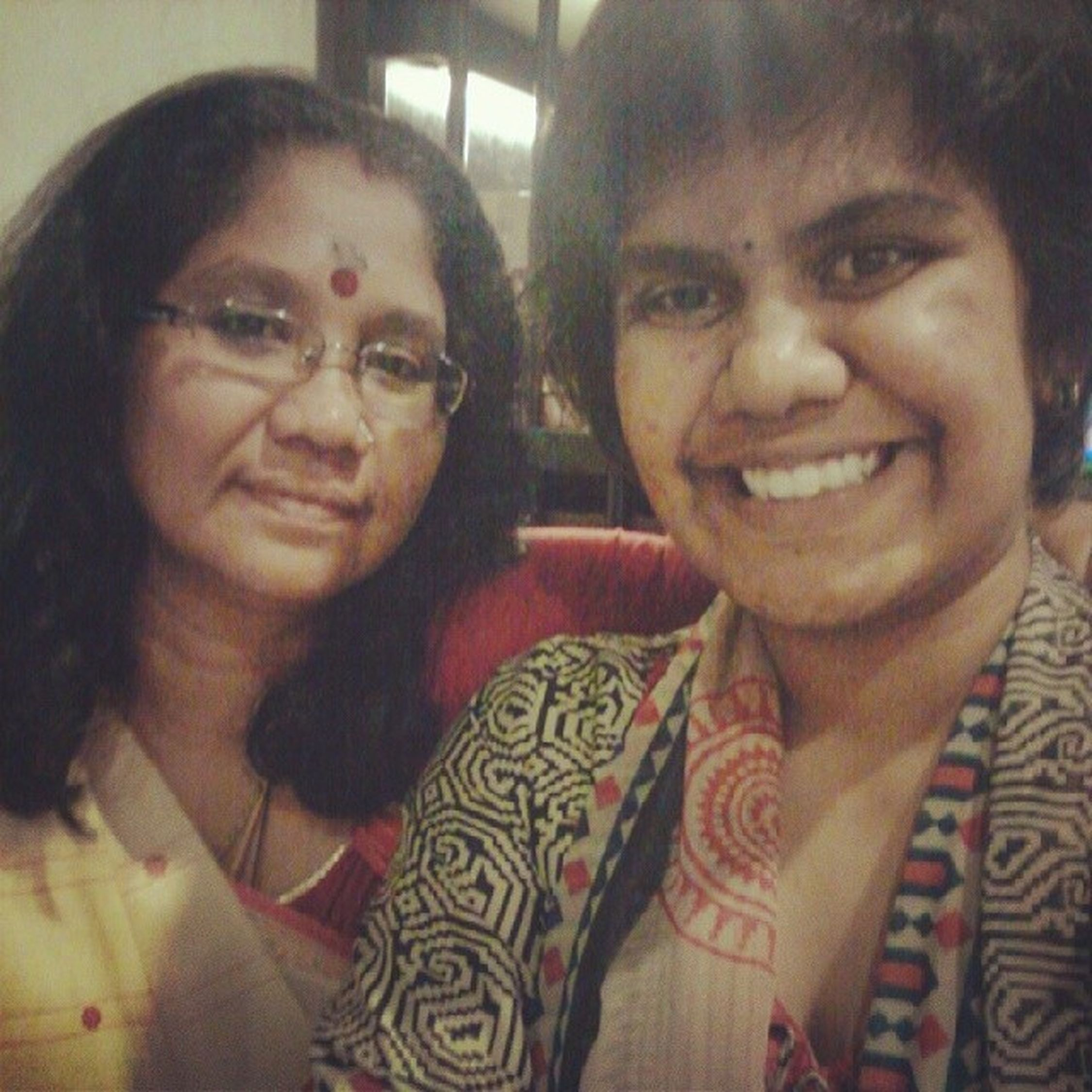 Isn't my mom adorablely cute.?? I know it is a bit late nut Firstselfie  with le mommy at Old Town White Coffee.!!