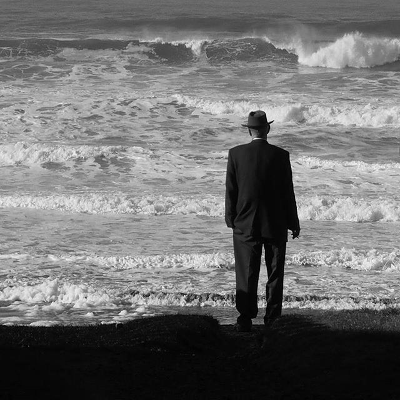 Solitude at the end of the earth ... Getolympus Omdem1 Olympusomdem1 Zuikodigital Blackandwhite Monochrome Monochromatic Blacknwhite Bnw Pacificnorthwest Pacificnw PNW PNWonderland Iloveoregon Upperleftusa Oregoncoast Hat Waves