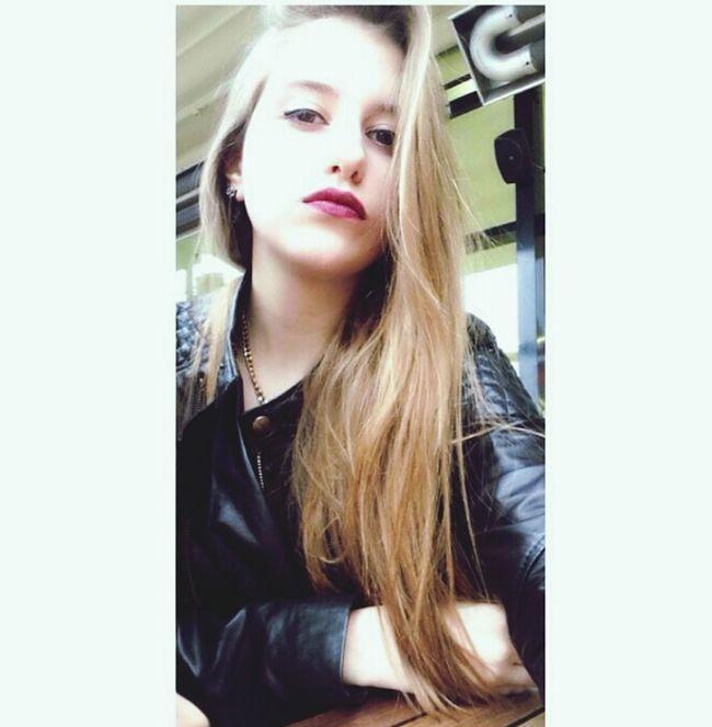 Suratsiz Dericeket Kirmiziruj Sarisin Color Portrait First Eyeem Photo Selfie Redlips