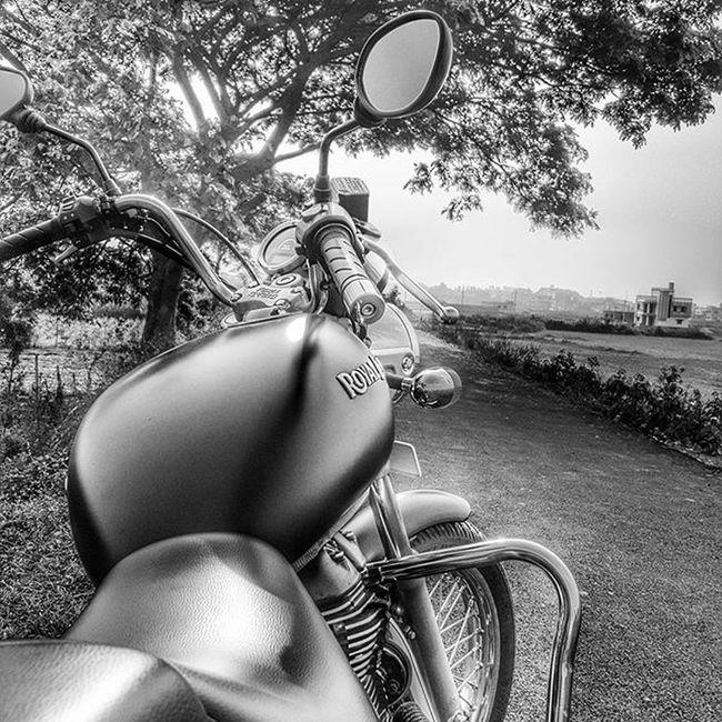Royalenfieldbeasts Bhubaneswar Odisha Blackandwhitephotography Mobilephotography Samsung S6 Thunderbird