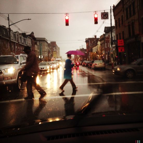 Streetphotography Art Is Portable With Caseable Pantone Colors By GIZMON Rainy Days
