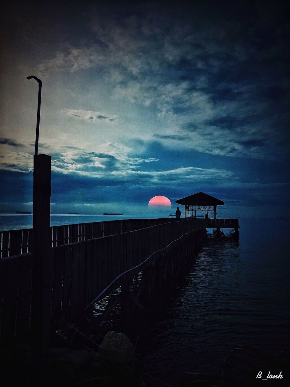 Take and edit . . . At Sangatta, kalimantan timur . IPhoneographer IPhone Photography Eye4photography  EyeEm Nature Lover EyeEm Best Shots Clouds And Sky Sunset Silhouettes Sunset_collection Landscape_Collection Indonesia_allshots