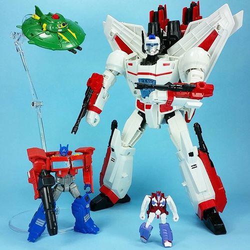 Robots in Disguise. Transformers Jetfire Optimusprime AlphaTrion Cosmos