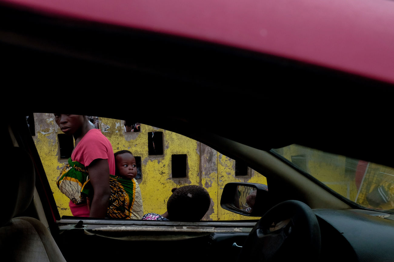 Red, yellow. Ghana. Children Ghana Paint The Town Yellow Red Travel West Africa Car Car Interior Real People Street Street Photography Streetphotography Yellow
