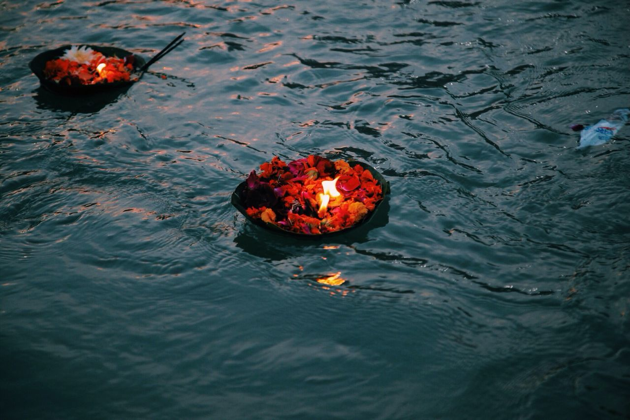 Beautiful stock photos of oil, Day, Flame, Floating On Water, Ganges River