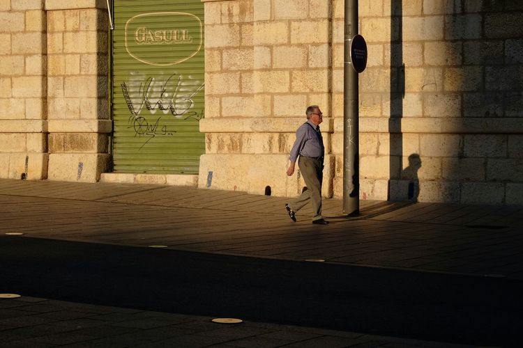 Streetphotography Light And Shadow Golden Hour