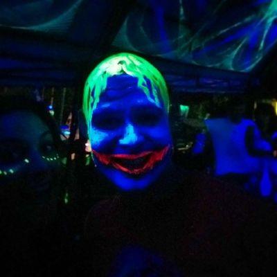 Au fait on avait croisé le Joker lors de la halfmoon Party ! Travel