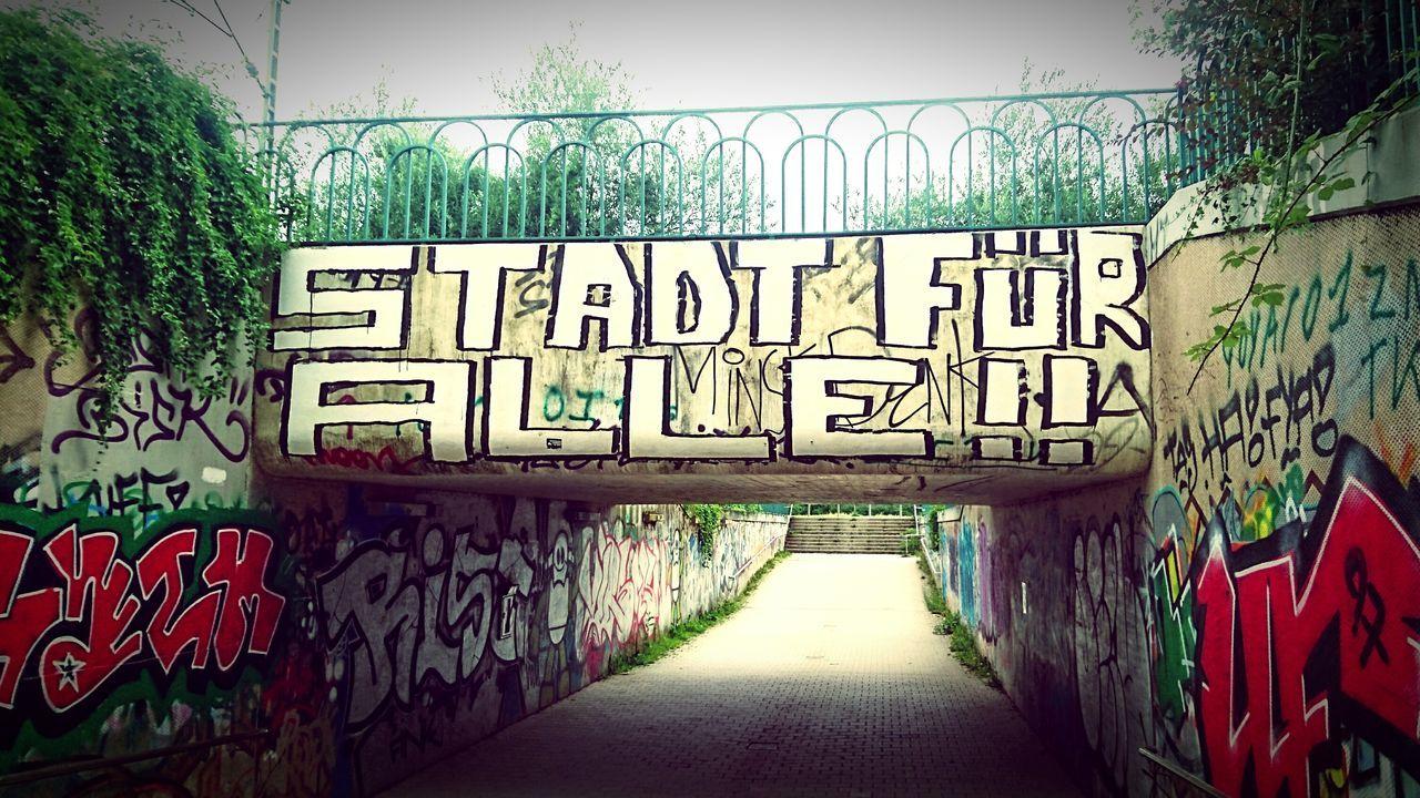 Frankfurt Am Main Niddapark Stadt Graffiti Town Park Our