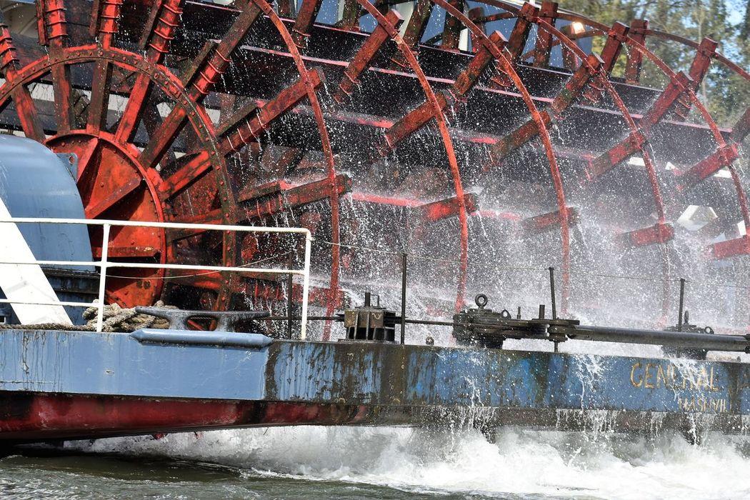 General Jackson Showboat Paddlewheel Paddlewheel Boat Spraying Water Day No People Outdoors Water