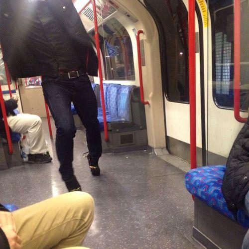 A nens High heel walk on the london tube