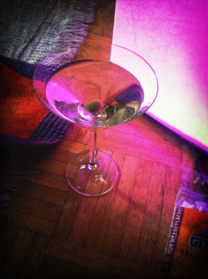 drinking dry martini at Das Floss by sdfkt.